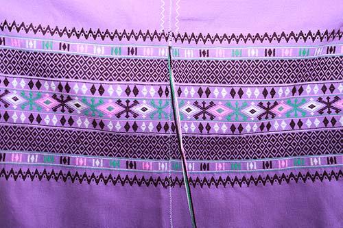 ลวดลายเสื้อชาวเผ่าชาวปกาเกอะญอแบบดั้งเดิม