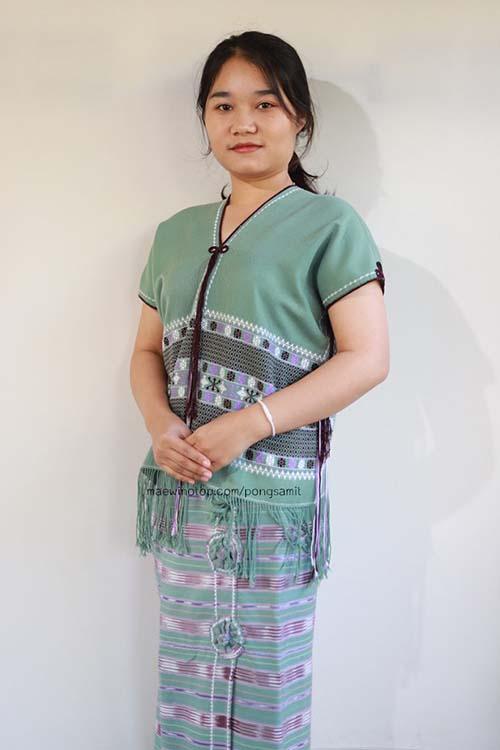 เสื้อชาวปกาเกอะญอสีเขียว